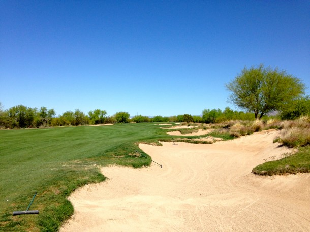 The long line of bunkers on the right create a very difficult recovery shot after an errant drive.